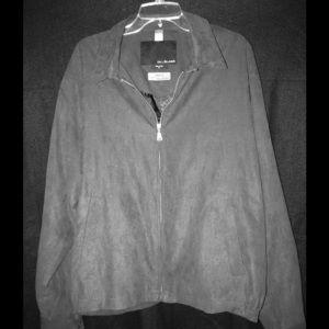 Bill Blass light jacket. Very classy. Like new.